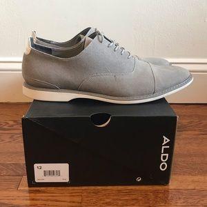 Also men's suede grey/white dress shoe